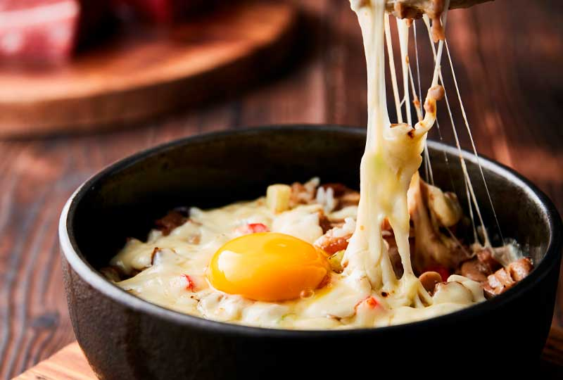 desayuno-fit-huevos-con-verduras-y-queso