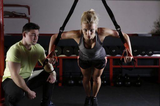 Evita la pérdida de masa ósea con estos 5 ejercicios de fuerza
