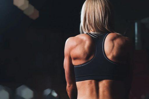 Top de ejercicios claves para lucir una espalda escultural